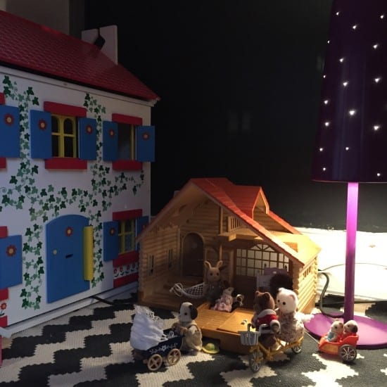 Dolls house, girls room