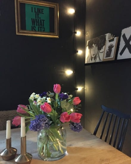Fresh blooms, fresh flowers, spring flowers, dining room, dining room styling, dining room table, off black farrow and ball, selfie
