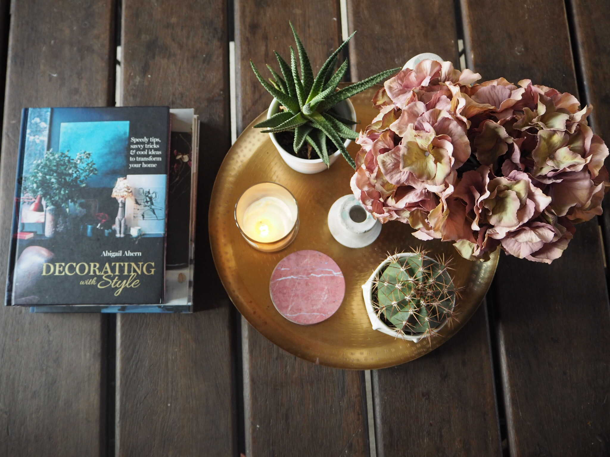 Tablescape and best interior coffee table books