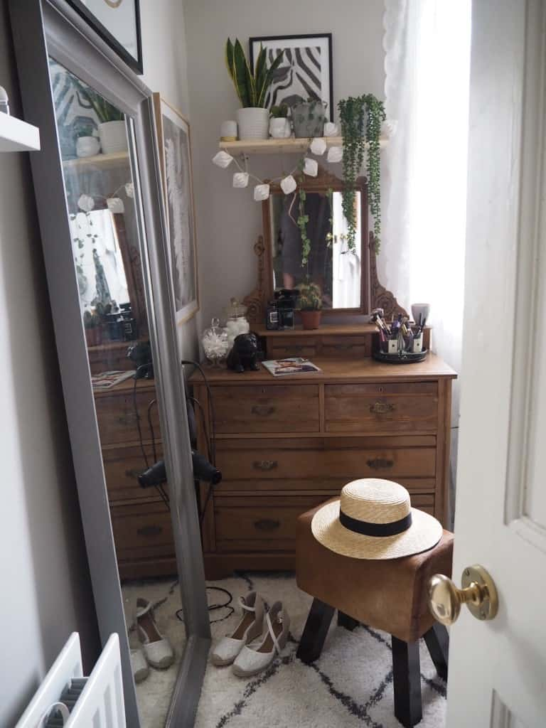 Dressing Room Reveal Kerry Lockwood In Detail