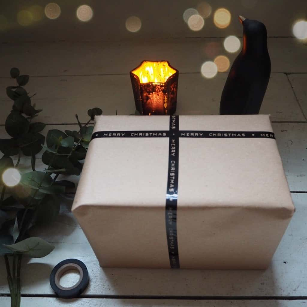 Stylish Christmas gift wrapping ideas, brown parcel paper