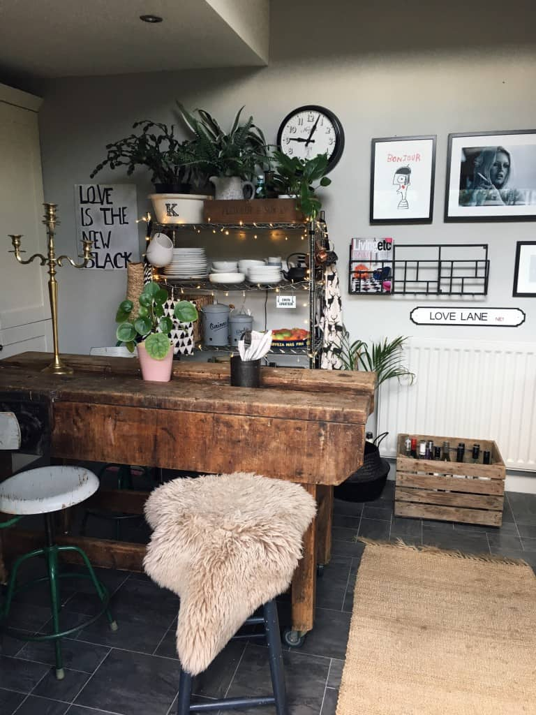 Ways to compromise your style in a rented home