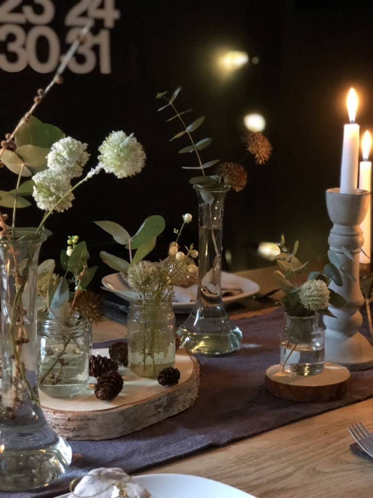 Rustic Christmas table decor