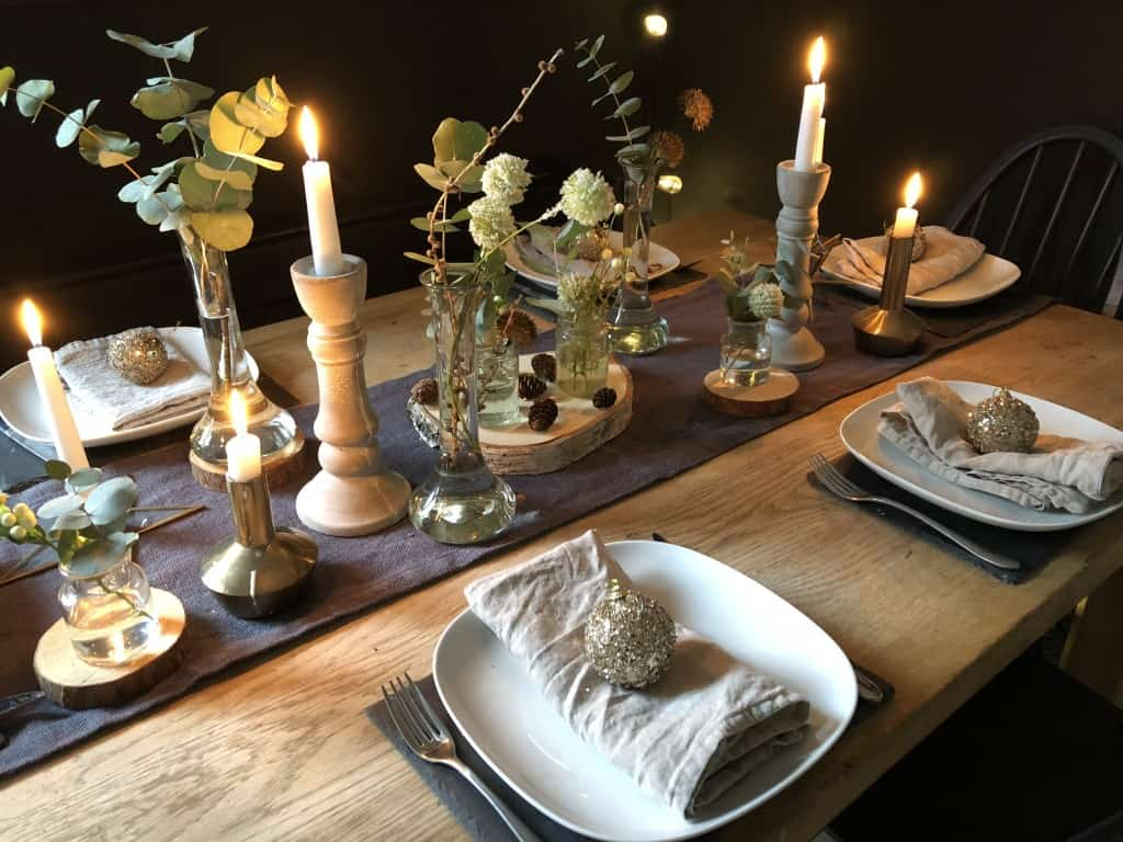 Rustic Christmas table decor