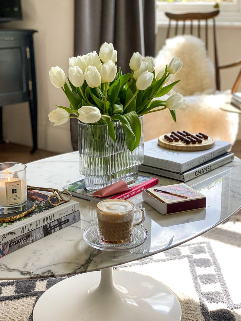 Marble coffee table, knoll, tulips