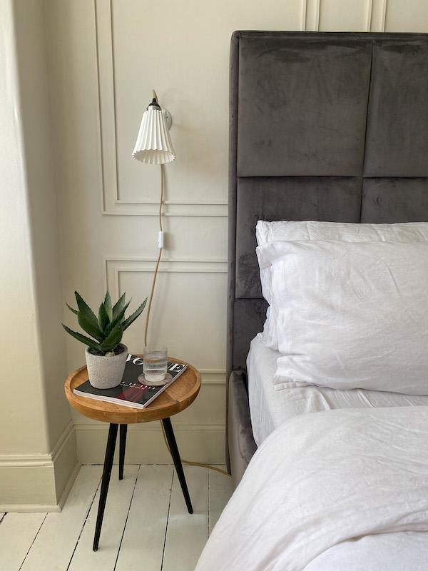 Panelling, neutral bedroom, Orinigan BTC Hector light